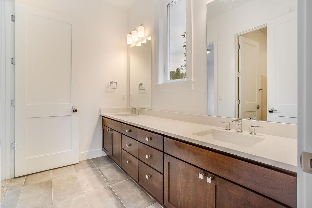 Dual Vanity Shared Bath