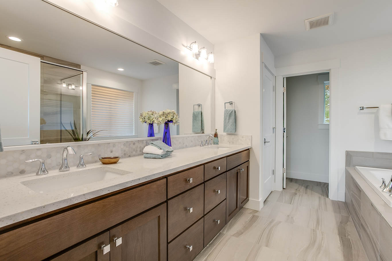 Lot 2 2nd Master Bathroom