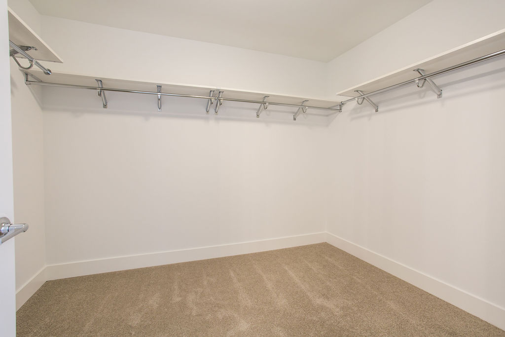 lot 4 closet
