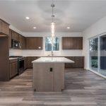 175th Seatac dining kitchen